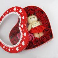 خرید پستی جعبه خرس و گل قرمز